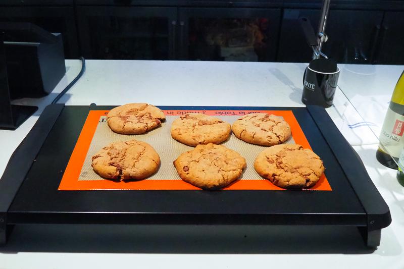 クッキーは温かく