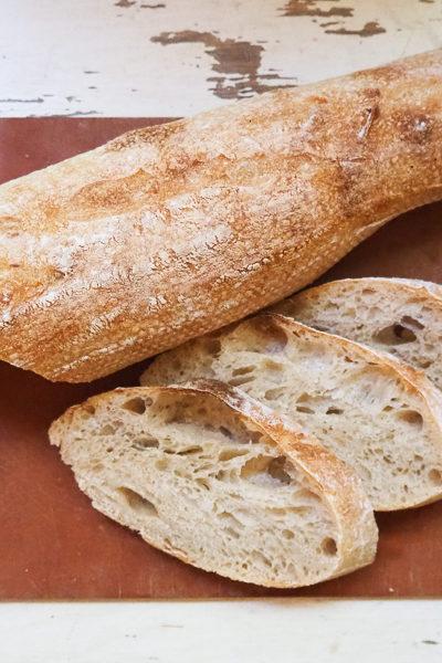 【パン】いつものサワードウ生地でバゲットを焼いたら、いい感じに♪