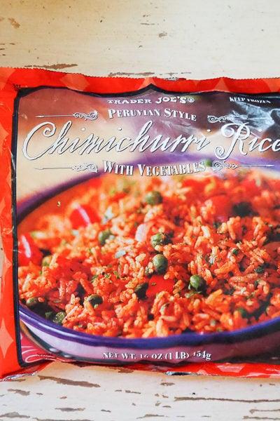 【トレーダージョーズ】冷凍の「ペルー風チミチュリライス」を食べてみたら、酸っぱ辛かった。