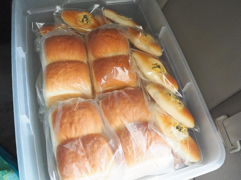 パンのデリバリー