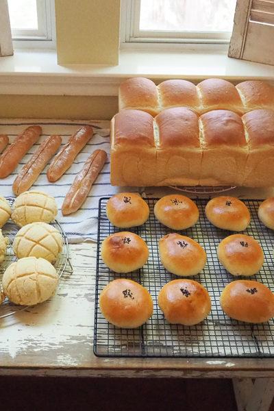山形食パン、あんぱん、ミルクフランス、メロンパン。たくさん焼きました♪