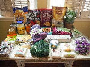 人のショッピングカートの中が気になりませんか?【トレーダージョーズ編】Part12 – ポテトチップス色々、紫芋、ファラフェルミックス、ハチの巣入りはちみつなど。