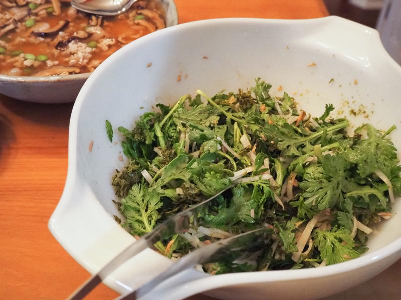 春菊と大根のサラダ
