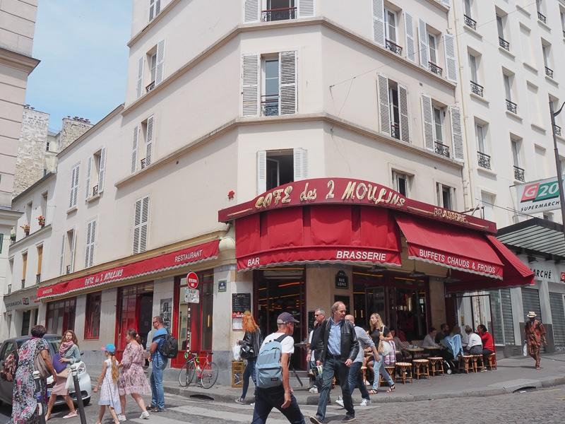カフェ・デ・ドゥ・ムーラン(Café des 2 Moulins)