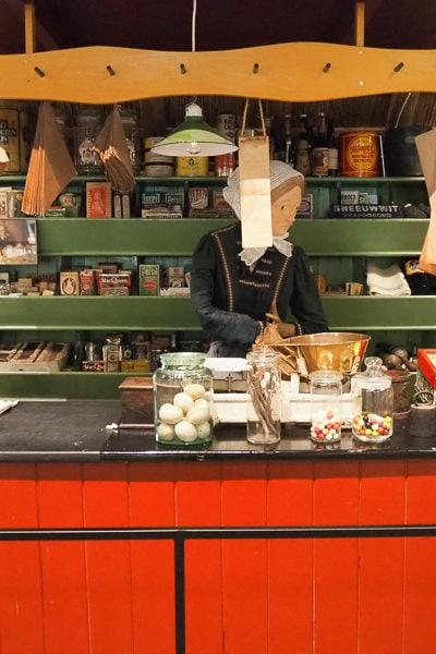オランダ「ヒートホールン」の昔の暮らしがわかるミュージアム、それからビール&コロッケ。