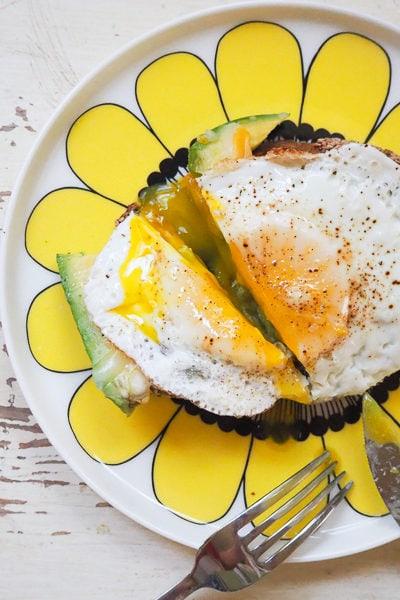 【レシピ】アボカドエッグトースト、それからアメリカの学校での熱中症対策のこと。