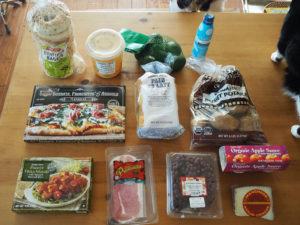 人のショッピングカートの中が気になりませんか?【トレーダージョーズ編】Part14 – フランスのミルクロールパン、ブッラータと生ハムのピザ、など。