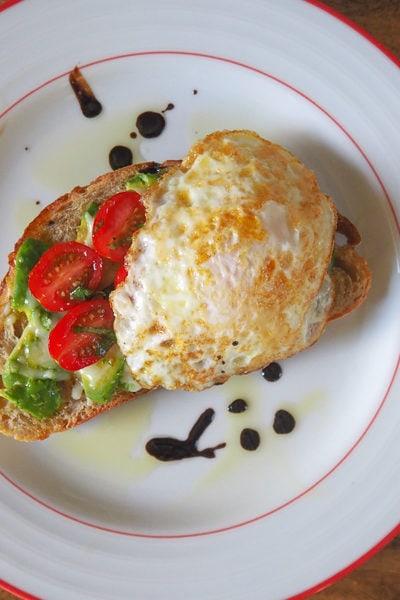 【レシピ】ブランチで食べた「おしゃれアボカド&エッグトースト」を再現!