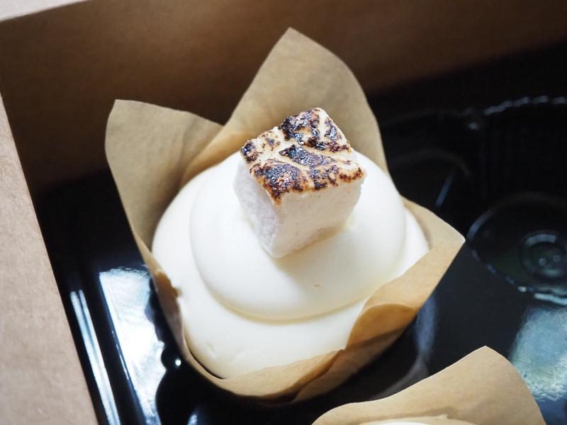 キャンプファイヤーカップケーキ