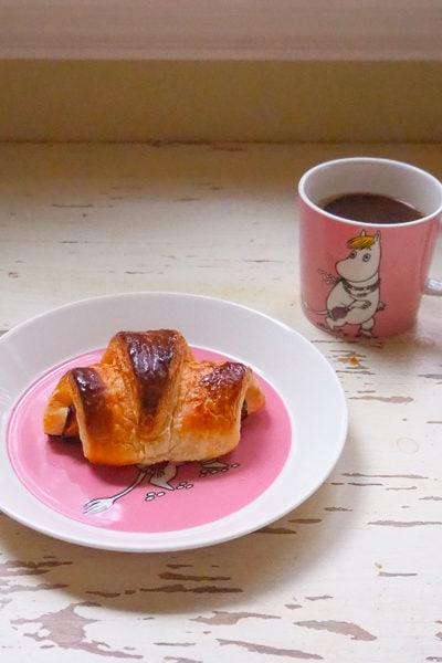 クロワッサンの朝食