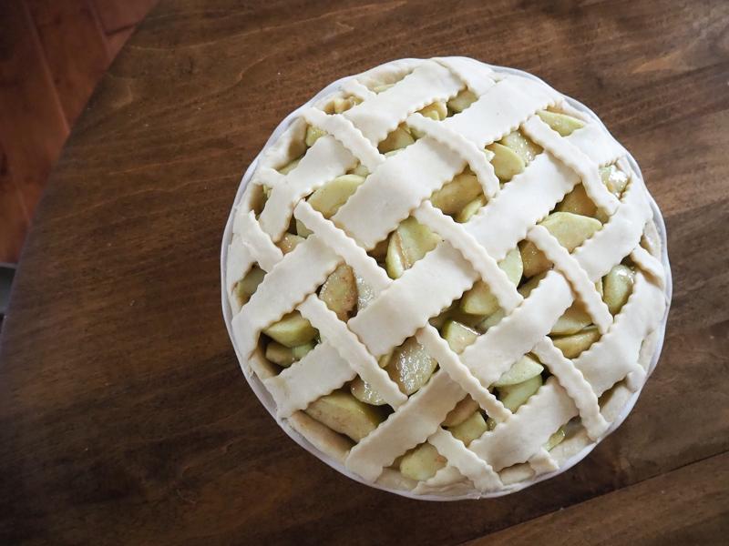 アップルパイの仕込み