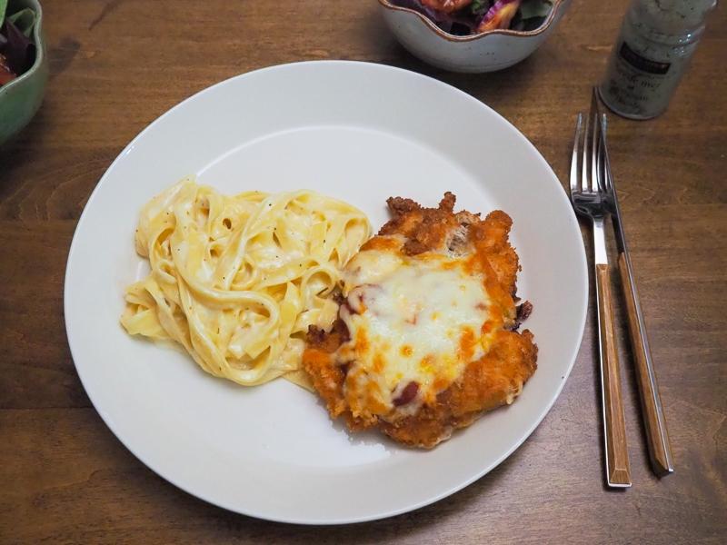 アメリカのイタリアンレストラン風ディナー