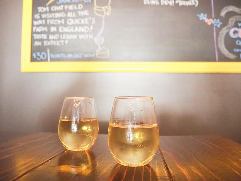 白ワインを