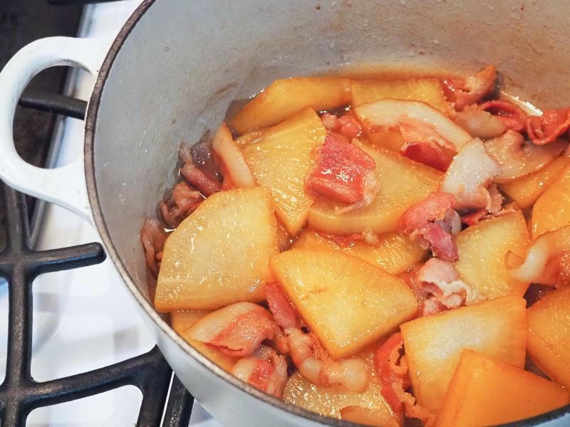 豚ばら大根はルクルーゼのお鍋で