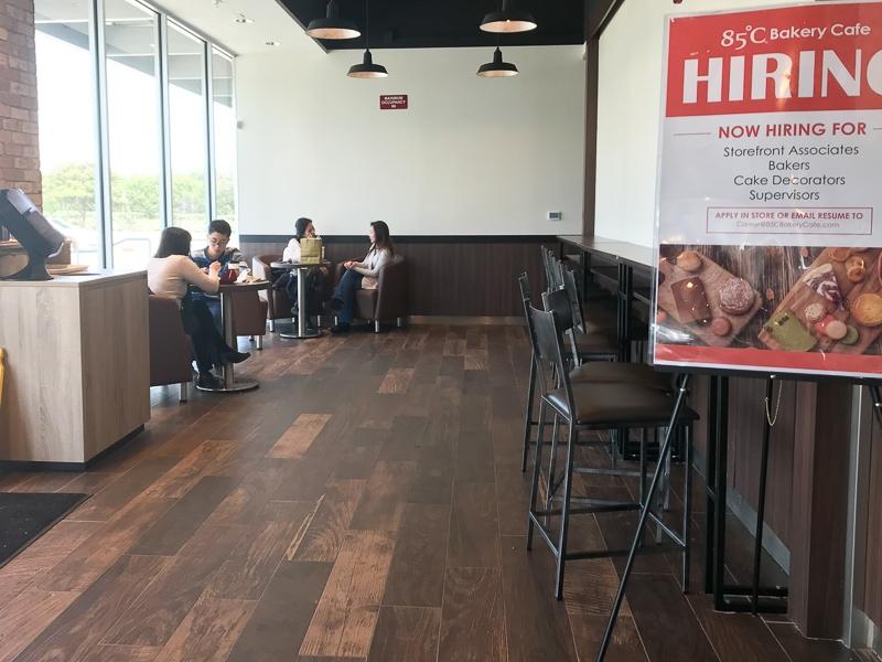 贅沢なカフェスペース