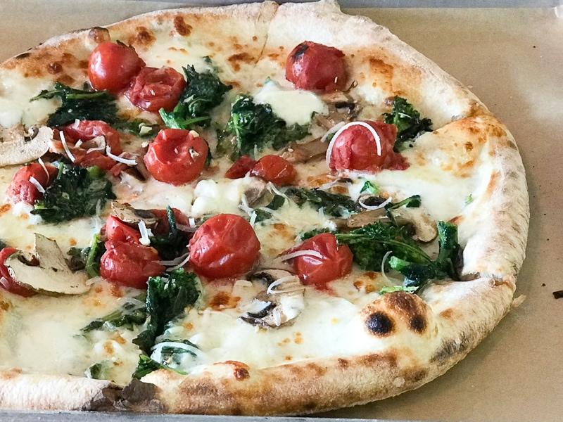 ホワイトピザ
