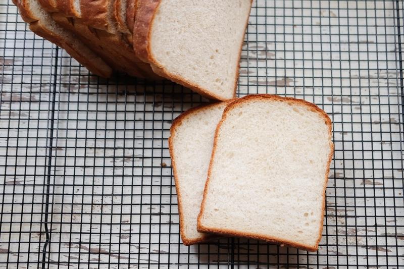 全粒粉入り山食パン
