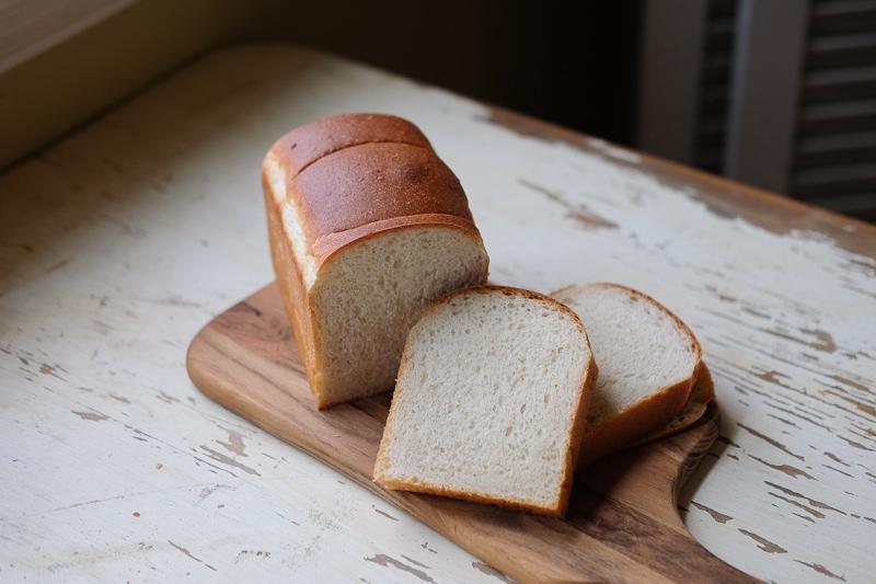 レーズン酵母の食パン