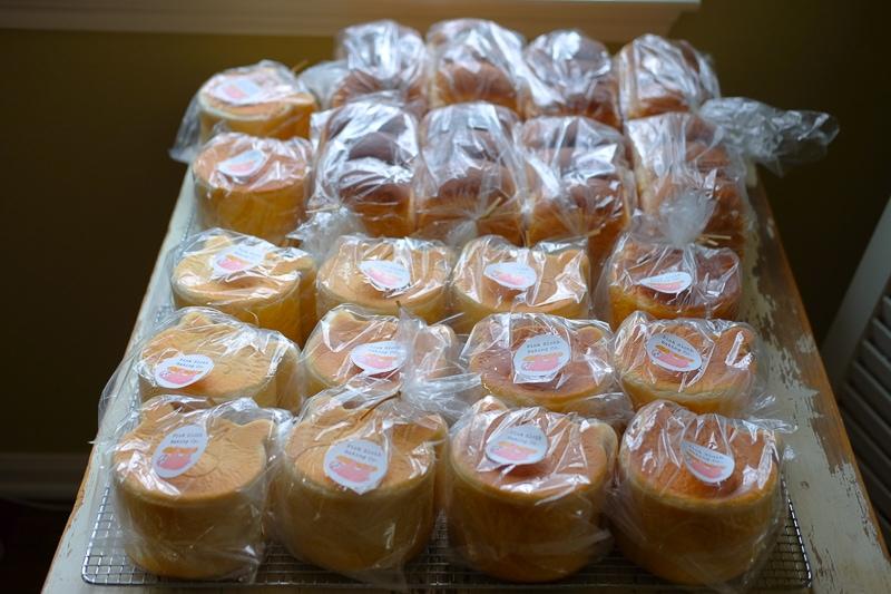 大量の食パン
