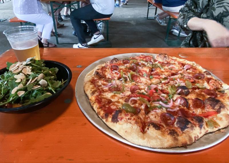 ピザ&サラダ